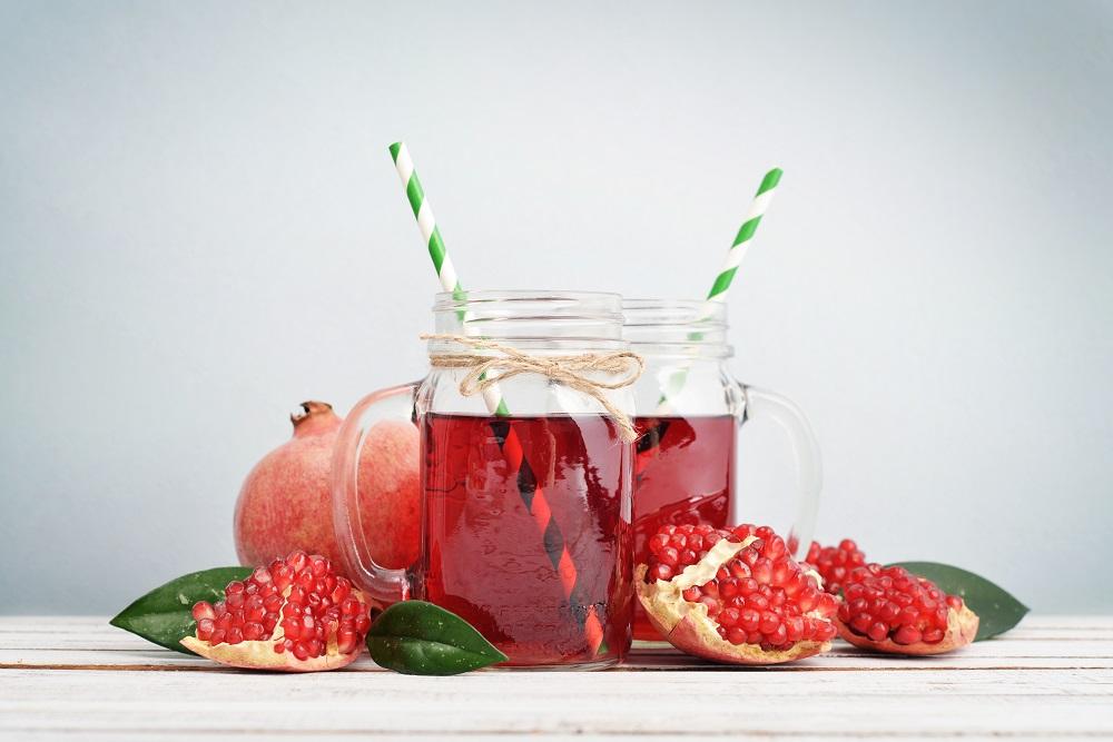 pomegranate juice for better skin
